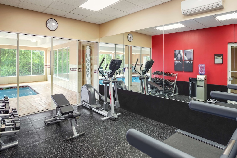 Fitness Facility, Country Inn & Suites by Radisson, Cuyahoga Falls, OH