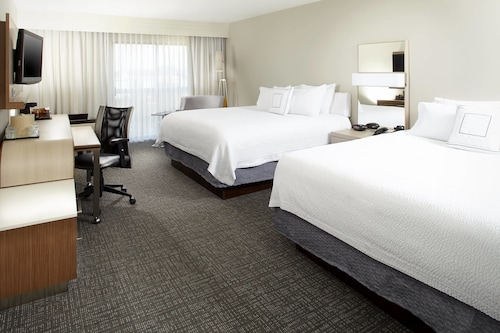 Courtyard by Marriott Detroit Brighton