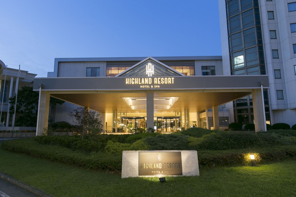 Front of Property - Evening/Night, Highland Resort Hotel & Spa