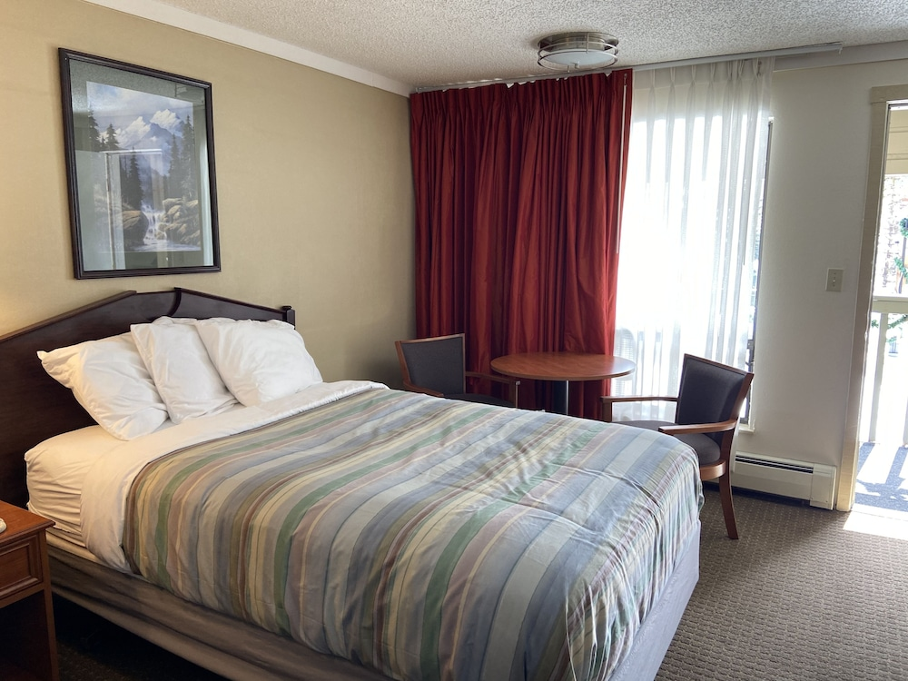 Room, Snowshoe Motel