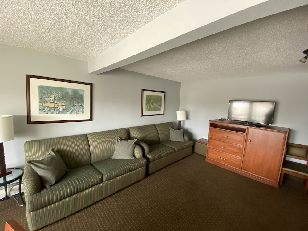 Living Area, Snowshoe Motel