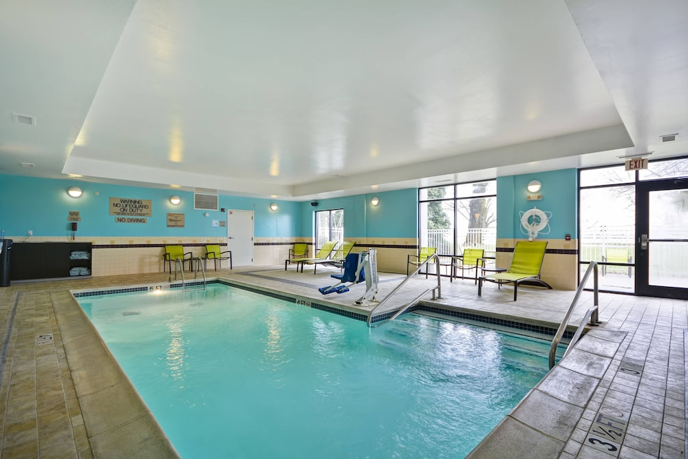 Pool, SpringHill Suites Lexington Near the University of Kentucky