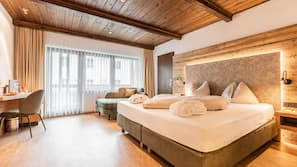 Ropa de cama hipoalergénica, minibar, caja fuerte