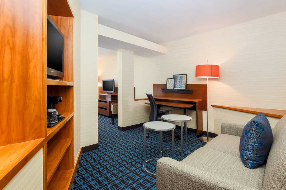 Room, Fairfield Inn and Suites by Marriott Las Vegas South