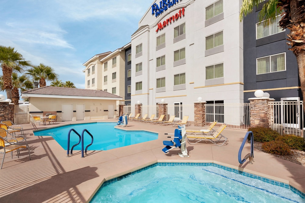 Pool, Fairfield Inn and Suites by Marriott Las Vegas South