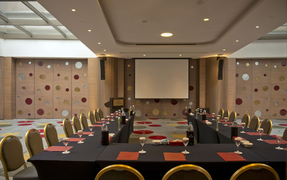 Meeting Facility, Le Royal Hotel- Beirut