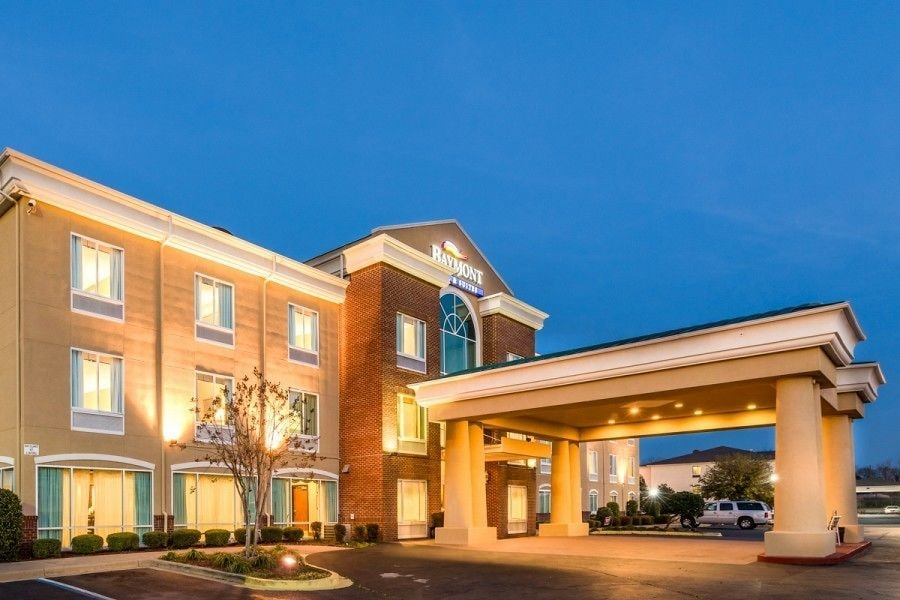 Book baymont inn suites montgomery south montgomery for The baymont