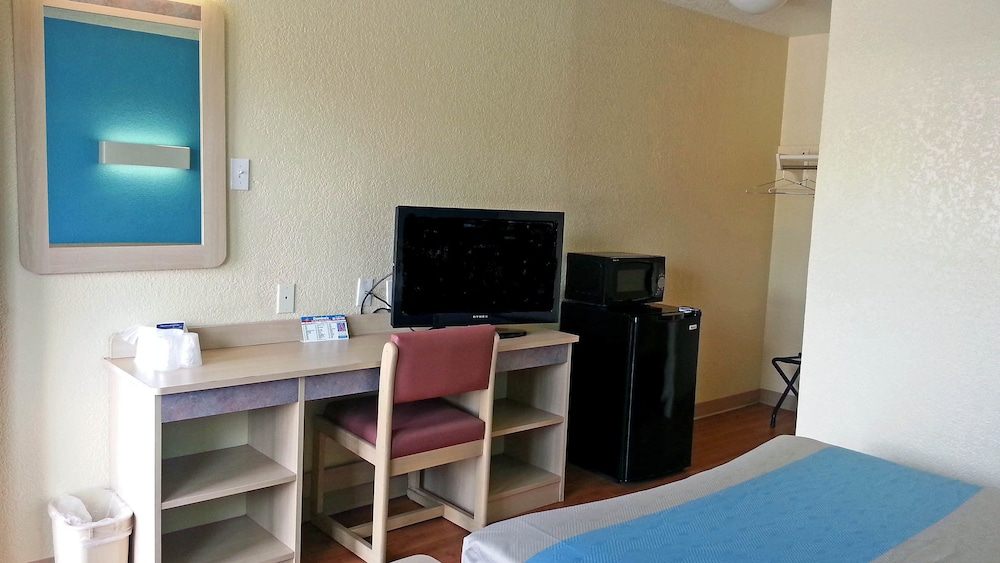 Room, Motel 6 Victoria, TX