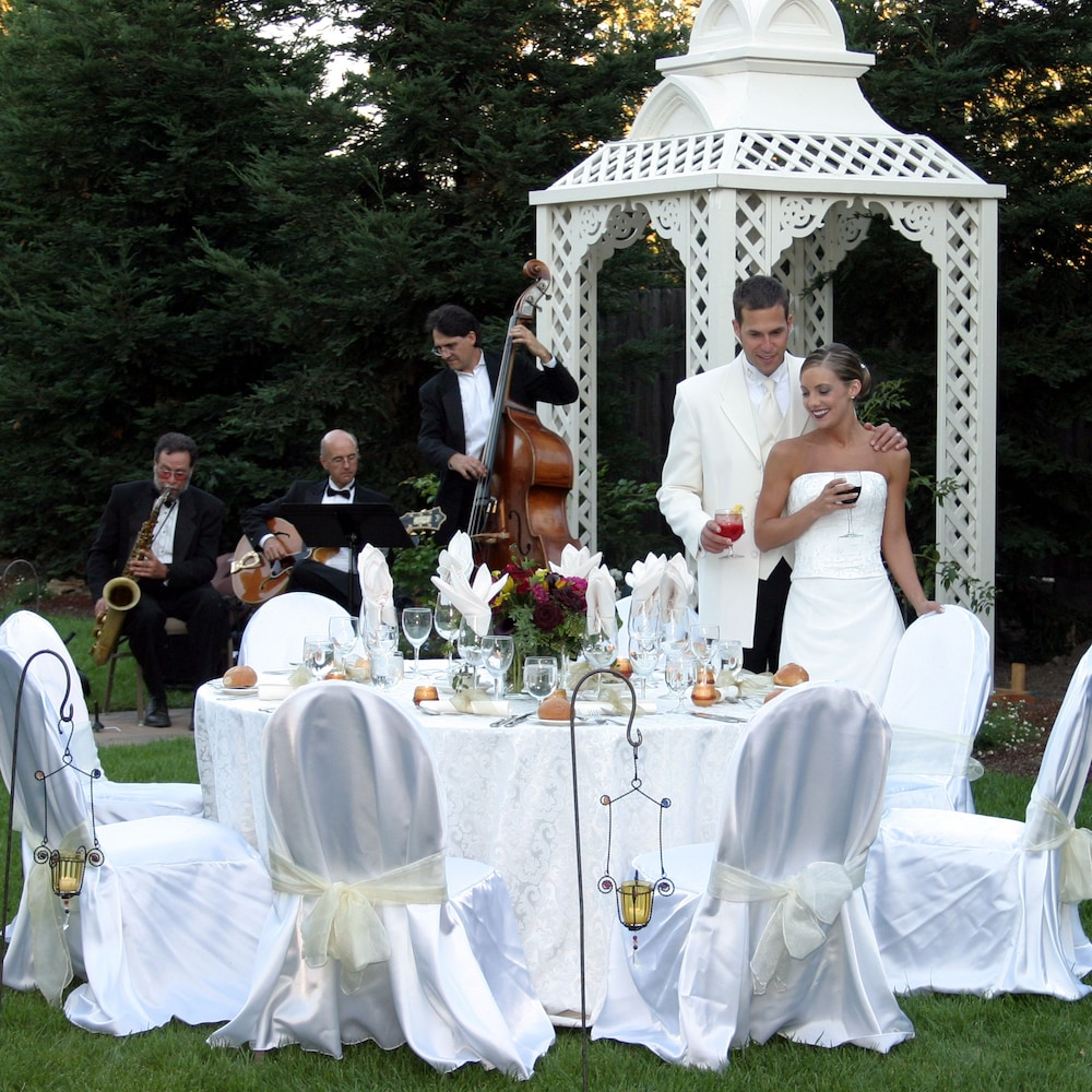 Outdoor Wedding Area, MacArthur Place