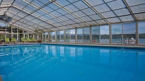 Indoor pool, free cabanas, sun loungers
