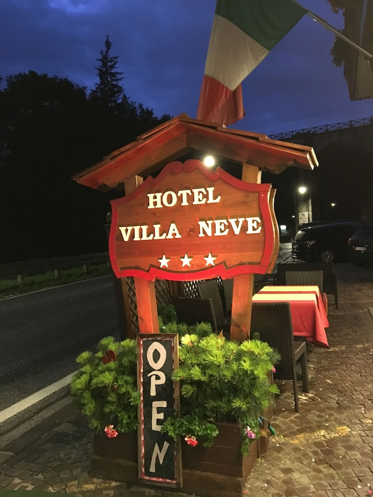 Hotel meubl villa neve reviews photos rates for Hotel meuble villa neve cortina