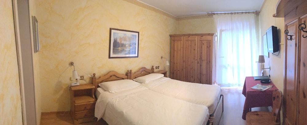 Hotel meubl villa neve hotell i cortina d 39 ampezzo ita for Hotel meuble villa neve