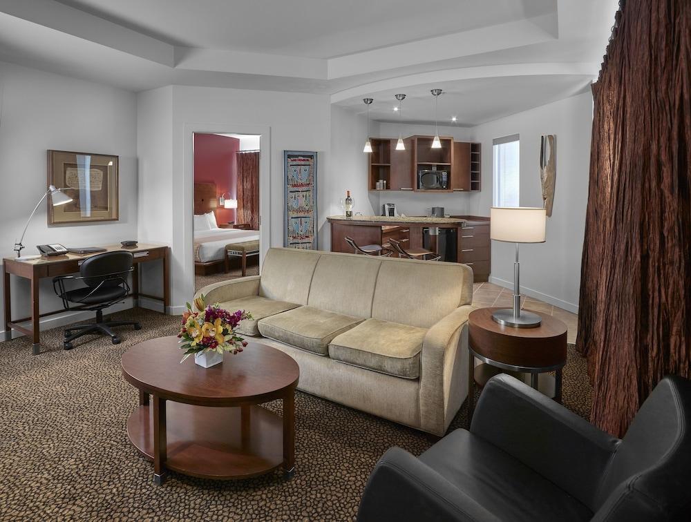 metterra hotel on whyte 2019 room prices 106 deals. Black Bedroom Furniture Sets. Home Design Ideas