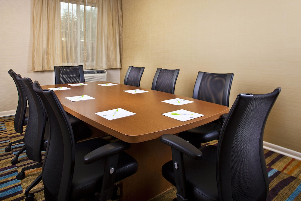 Meeting Facility, Fairfield Inn & Suites by Marriott Houston Hobby Airport.