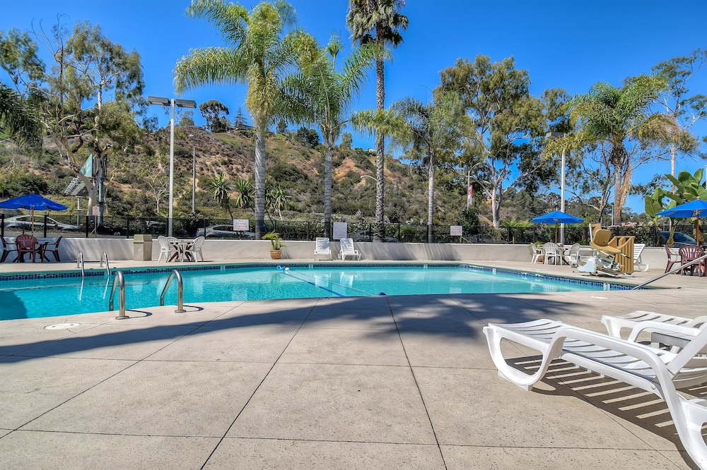 Pool, Motel 6 San Diego, CA - Hotel Circle - Mission Valley