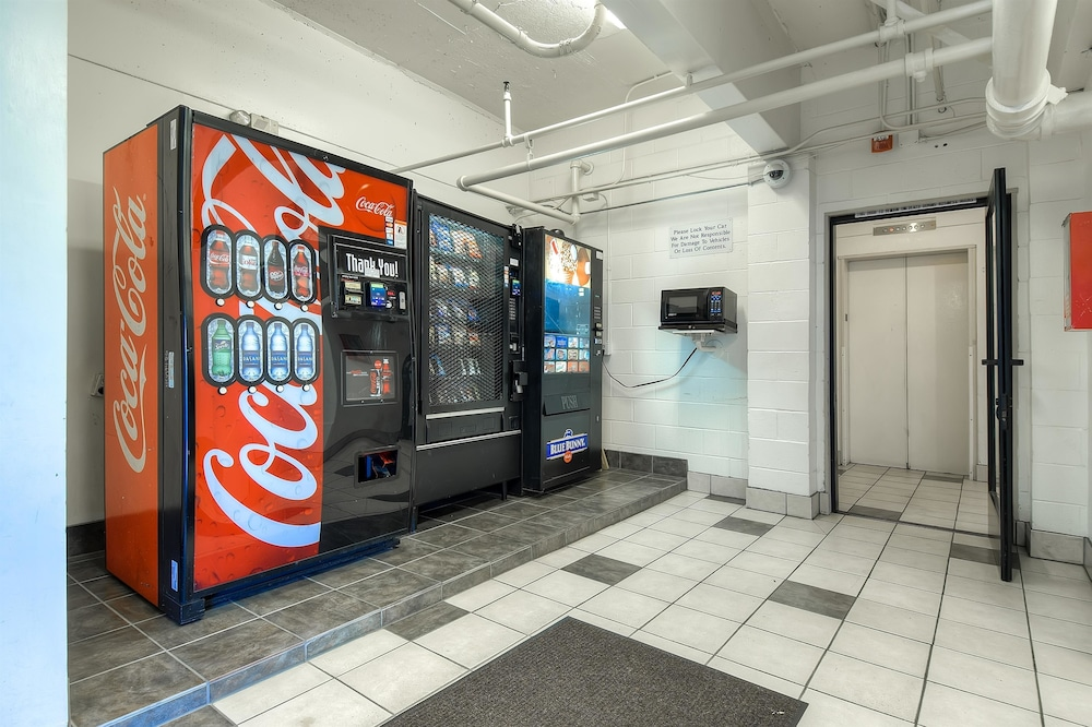 Vending Machine, Motel 6 San Diego, CA - Hotel Circle - Mission Valley