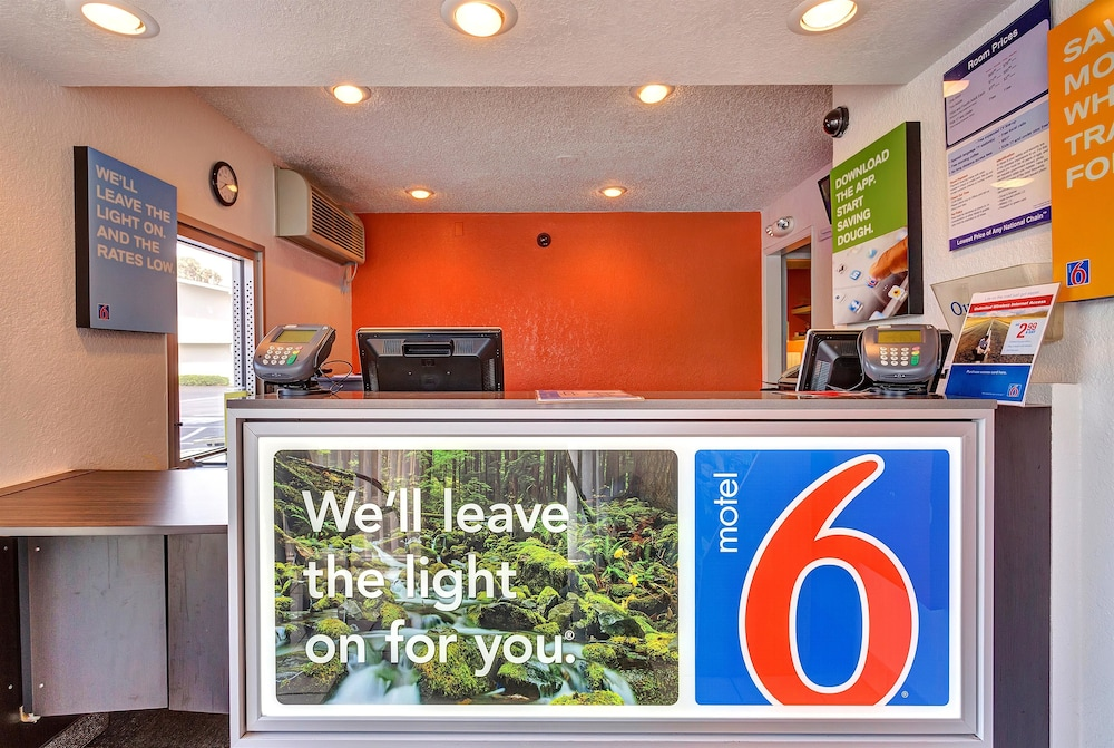Reception, Motel 6 Santa Rosa, CA - South