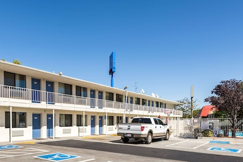 Motel 6 Reno, NV - Virginia Plumb