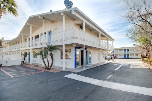 Great Place to stay Motel 6 Phoenix East near Phoenix