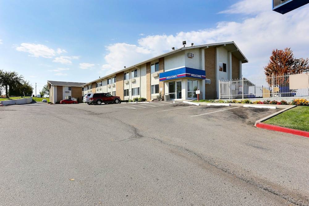 Front of Property, Motel 6 Boise, ID - Airport