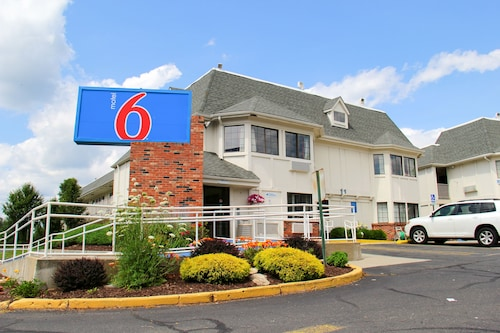 Motel 6 Enfield, CT - Hartford