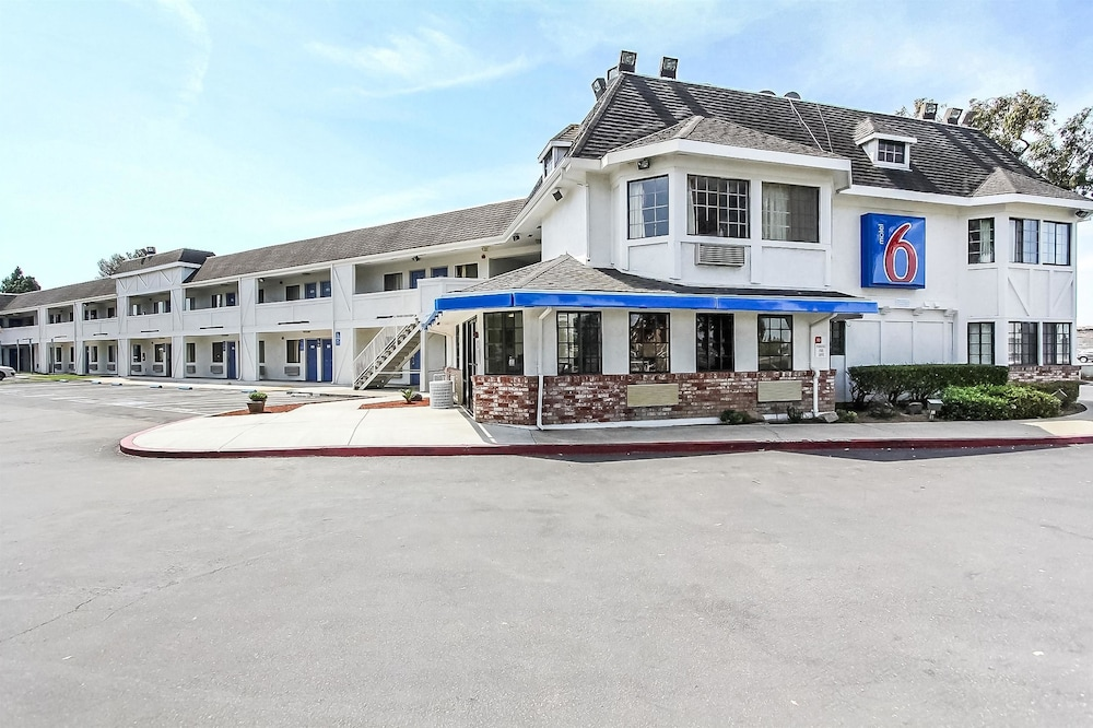 Front of Property, Motel 6 Fremont, CA - North
