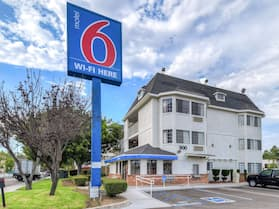 Motel 6 Escondido, CA