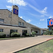 Motel 6 Austin, TX - Central South Univ Of TX
