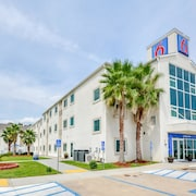 Motel 6 Biloxi, MS - Beach