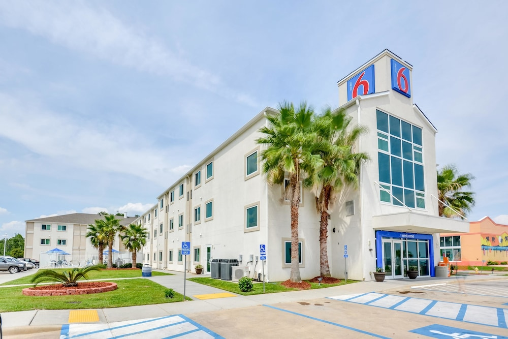 Motel 6 Biloxi Ms Beach In Biloxi Hotel Rates Reviews On Orbitz