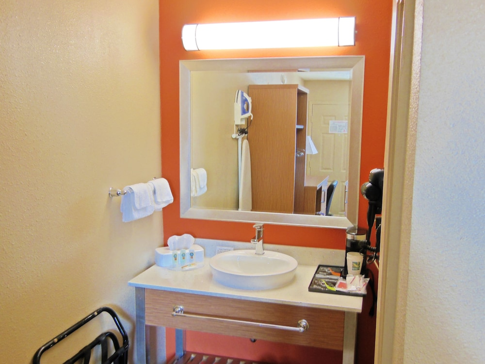 Bathroom Sink, Days Inn & Suites by Wyndham Arlington Near Six Flags