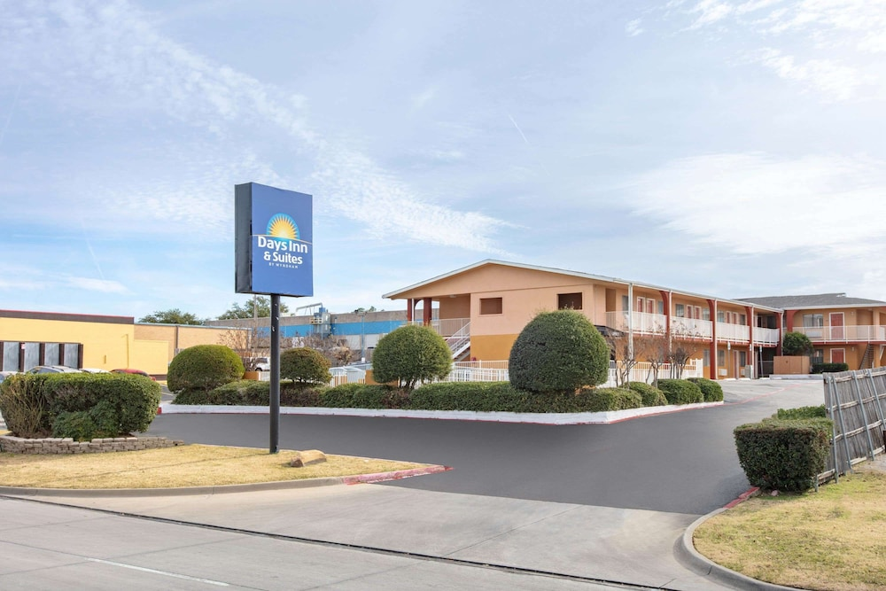 Featured Image, Days Inn & Suites by Wyndham Arlington Near Six Flags