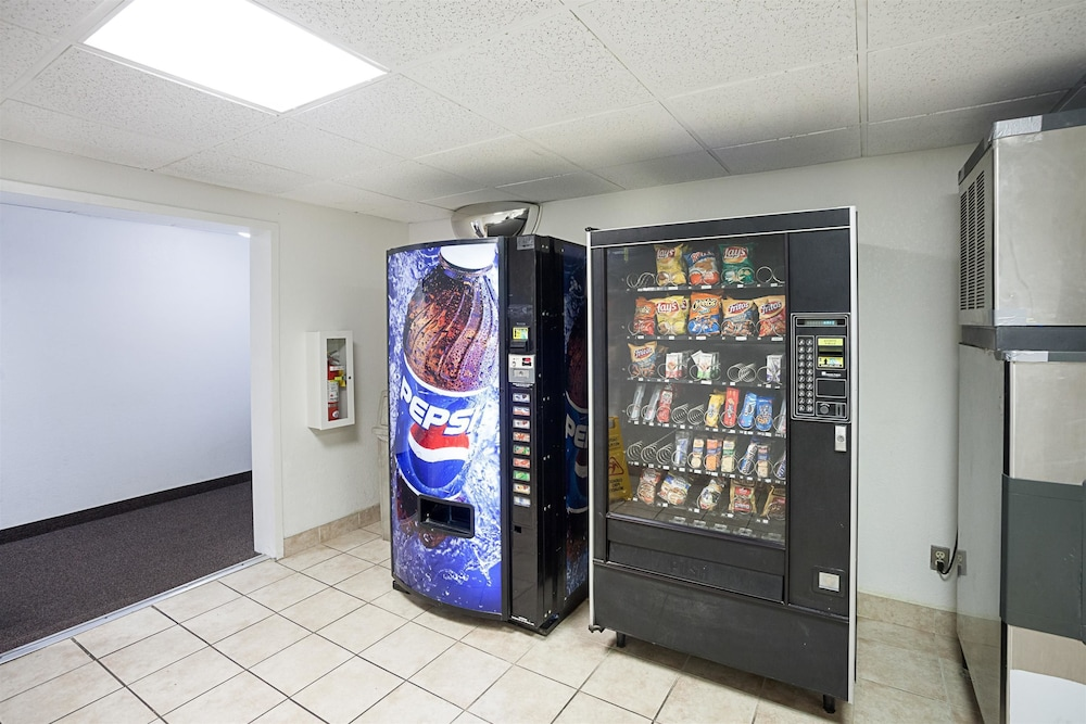 Vending Machine, Motel 6 Binghamton, NY