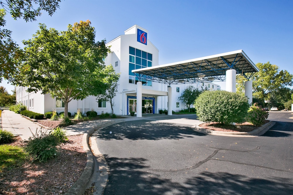 Featured Image, Motel 6 Brooklyn Center, MN - Minneapolis