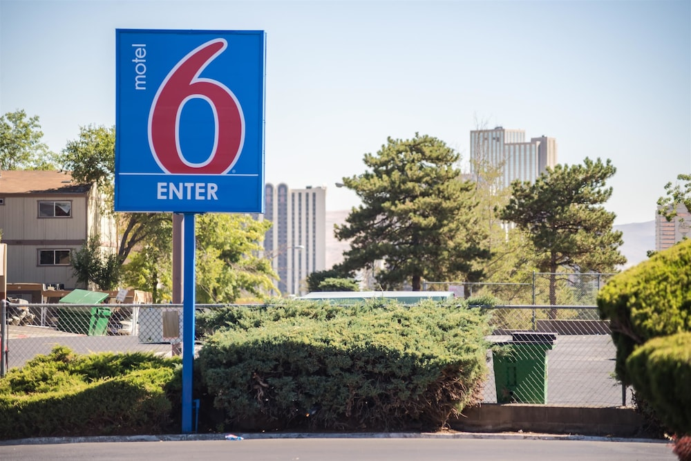 Exterior, Motel 6 Reno, NV - West