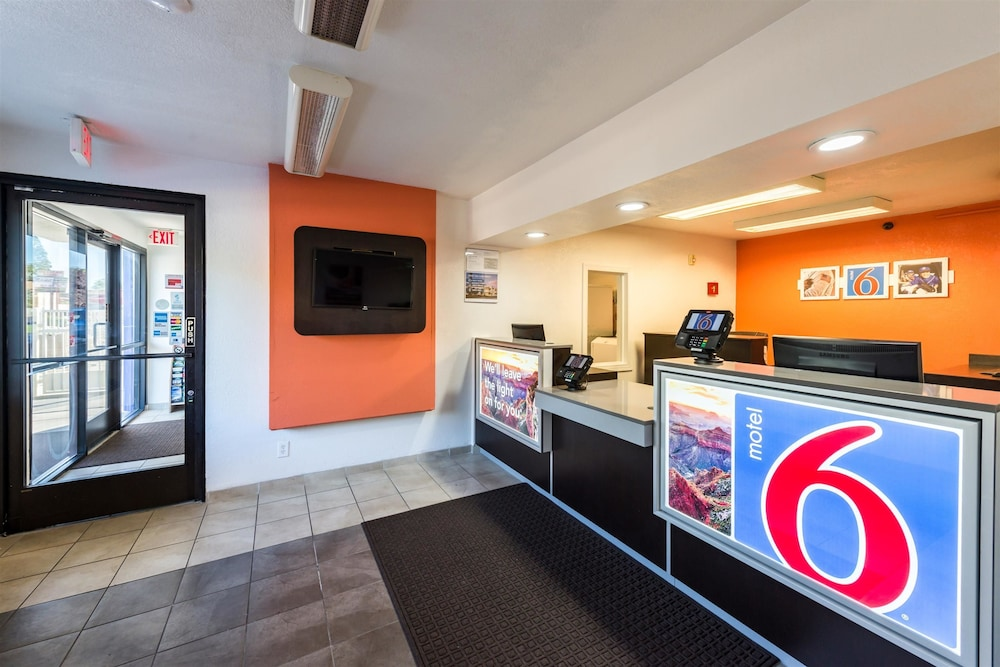 Reception, Motel 6 Reno, NV - West
