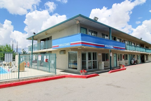 Check Expedia for Availability of Motel 6 Gallup