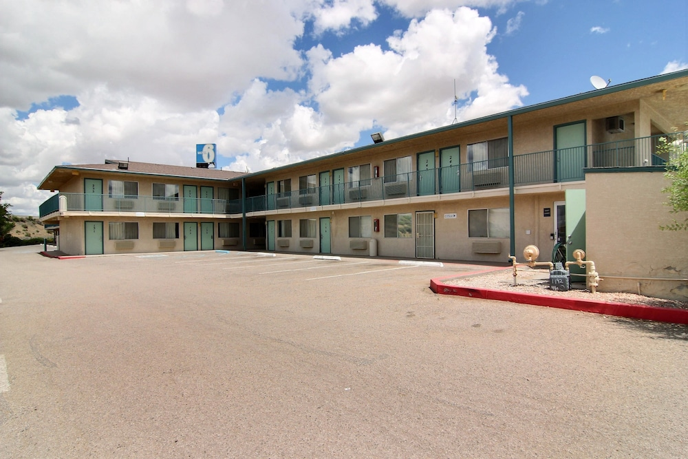Front of Property, Motel 6 Gallup, NM