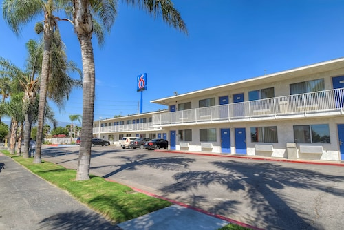 Motel 6 San Bernardino, CA - South