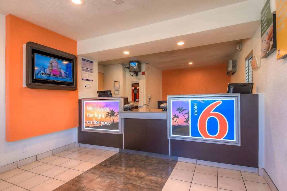 Reception, Motel 6 San Bernardino, CA - South