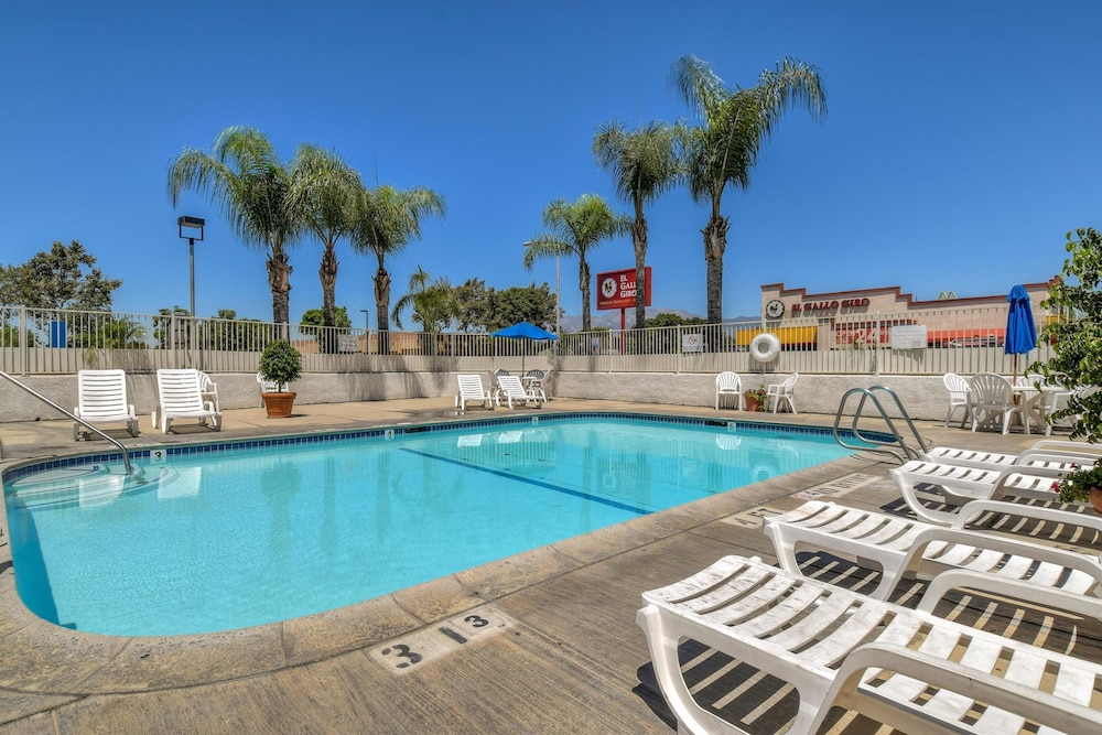 Pool, Motel 6 Fontana, CA