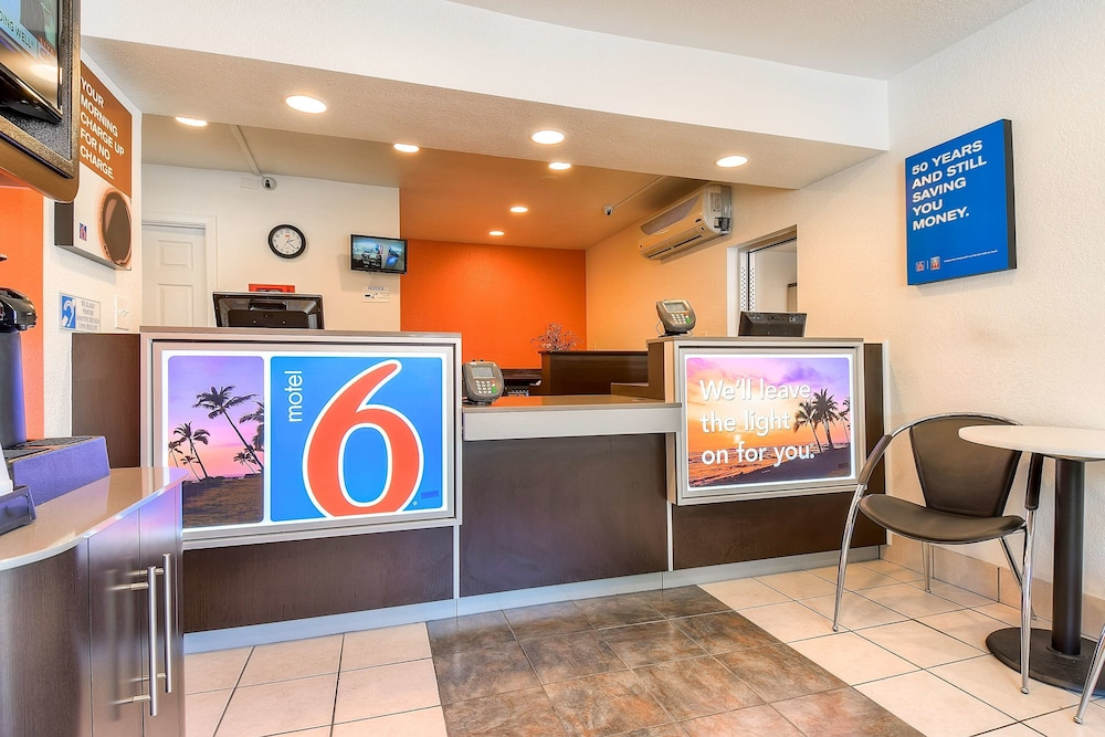 Reception, Motel 6 Fontana, CA