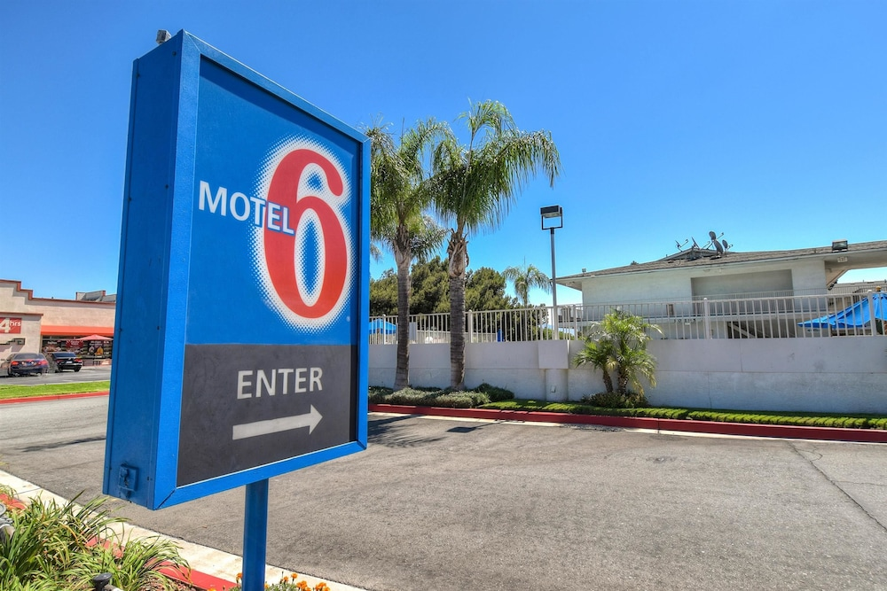Front of Property, Motel 6 Fontana, CA