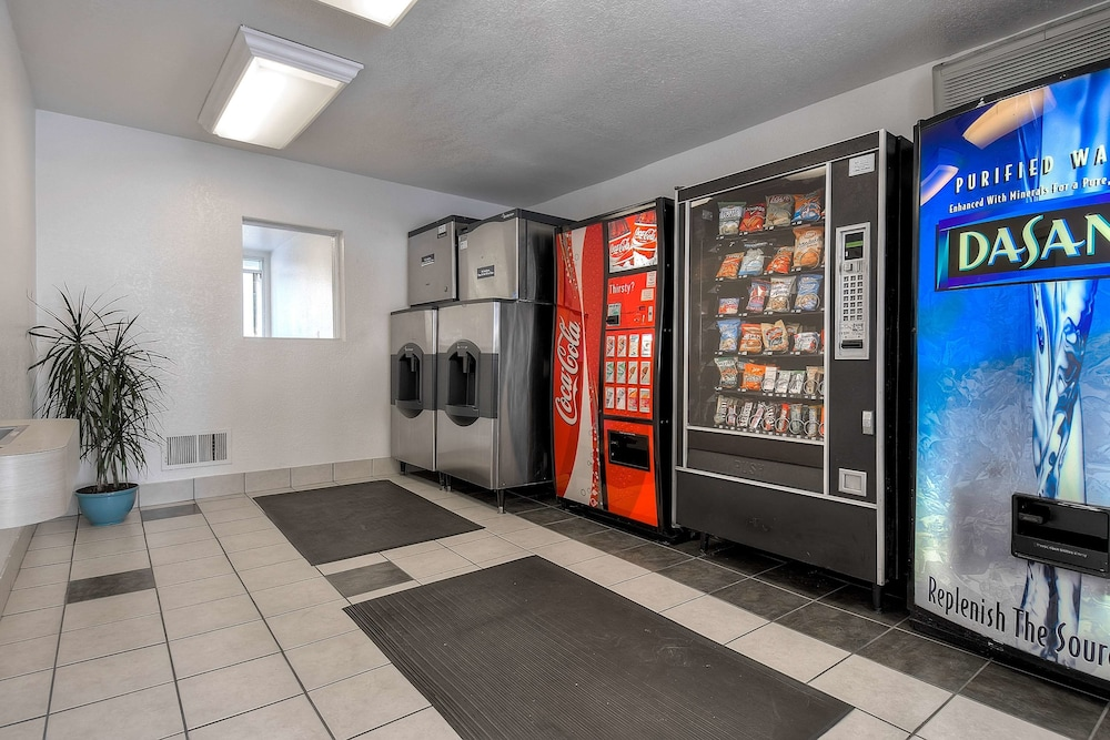 Vending Machine, Motel 6 Fontana, CA