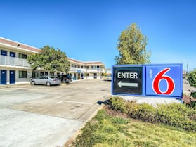 Motel 6 Redding, CA - North