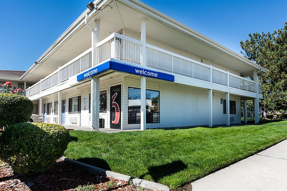 Front of Property, Motel 6 Sparks, NV - Airport - Sparks