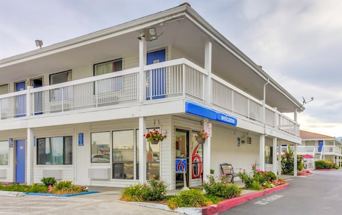 Motel 6 Medford, OR - North