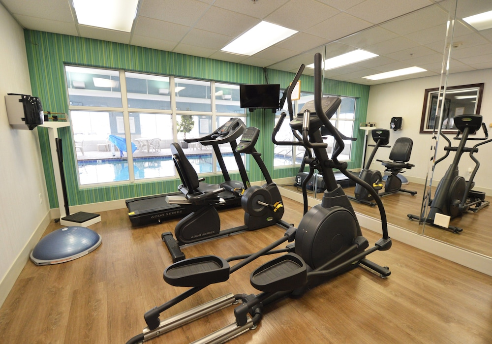 Fitness Facility, Holiday Inn Express Toledo-Oregon, an IHG Hotel