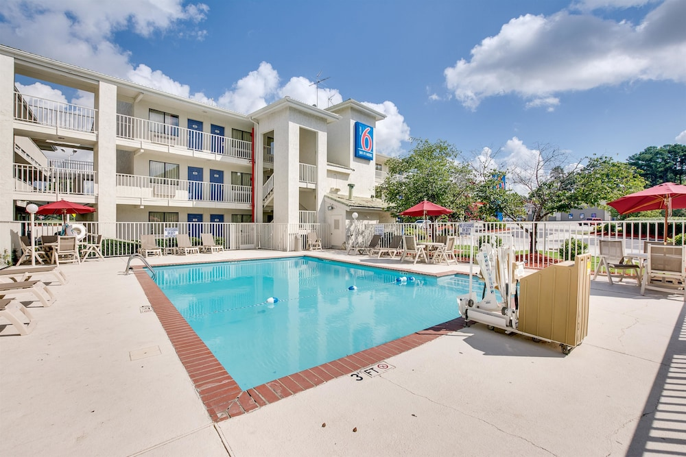 Motel 6 Columbia West at Columbia (and vicinity), South Carolina, United States of America: Find the best deals with user reviews, photos, and discount rates for Motel 6 Columbia West at Orbitz. Get our lowest rates or cash back. And, pay no Orbitz hotel change or cancel fees.2/5(38).