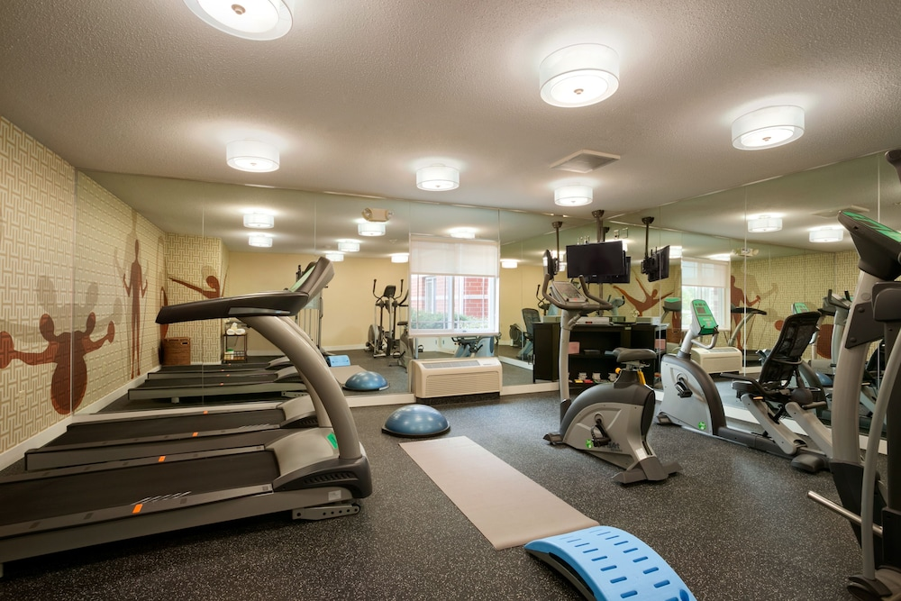 Gym, MainStay Suites Detroit Auburn Hills